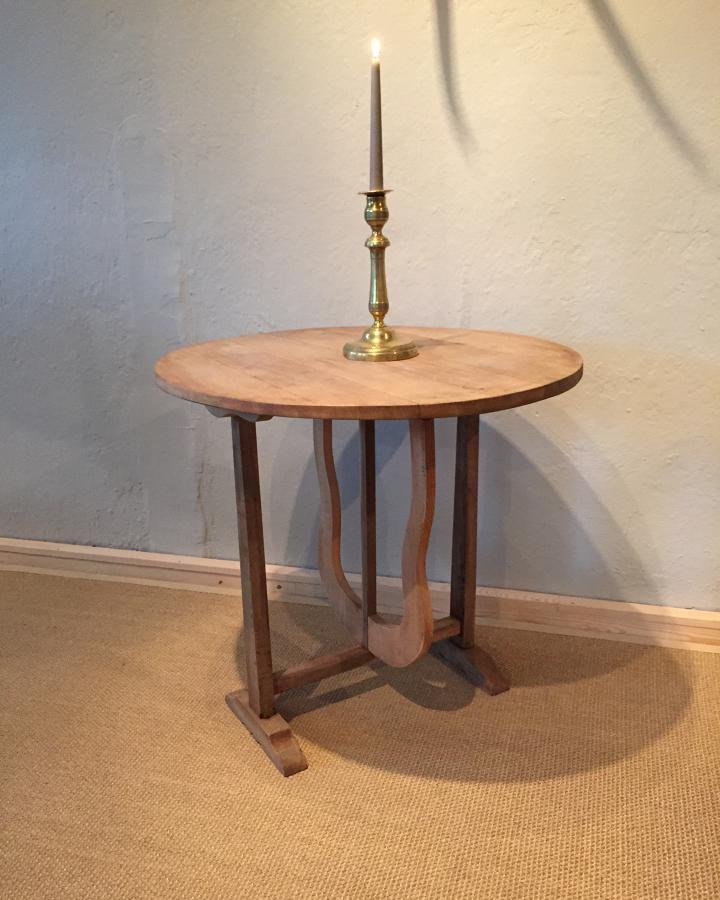 Small ca 1900 Winetable bleached oak